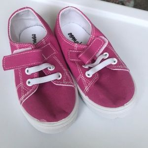 Brand new, never warn Pink Tennis shoes